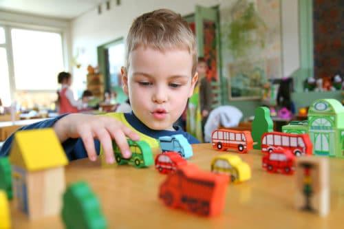 """""""Beitragsordnung"""" von Kindertagesstätten (Kitas) in freier Trägerschaft – Geltung der §§ 305 ff. BGB"""