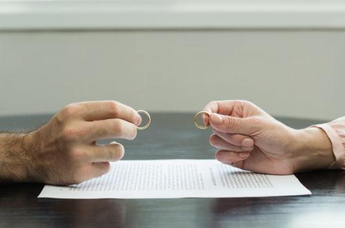 Eheaufhebung wegen arglistiger Täuschung: Vortäuschung emotionaler Verbundenheit
